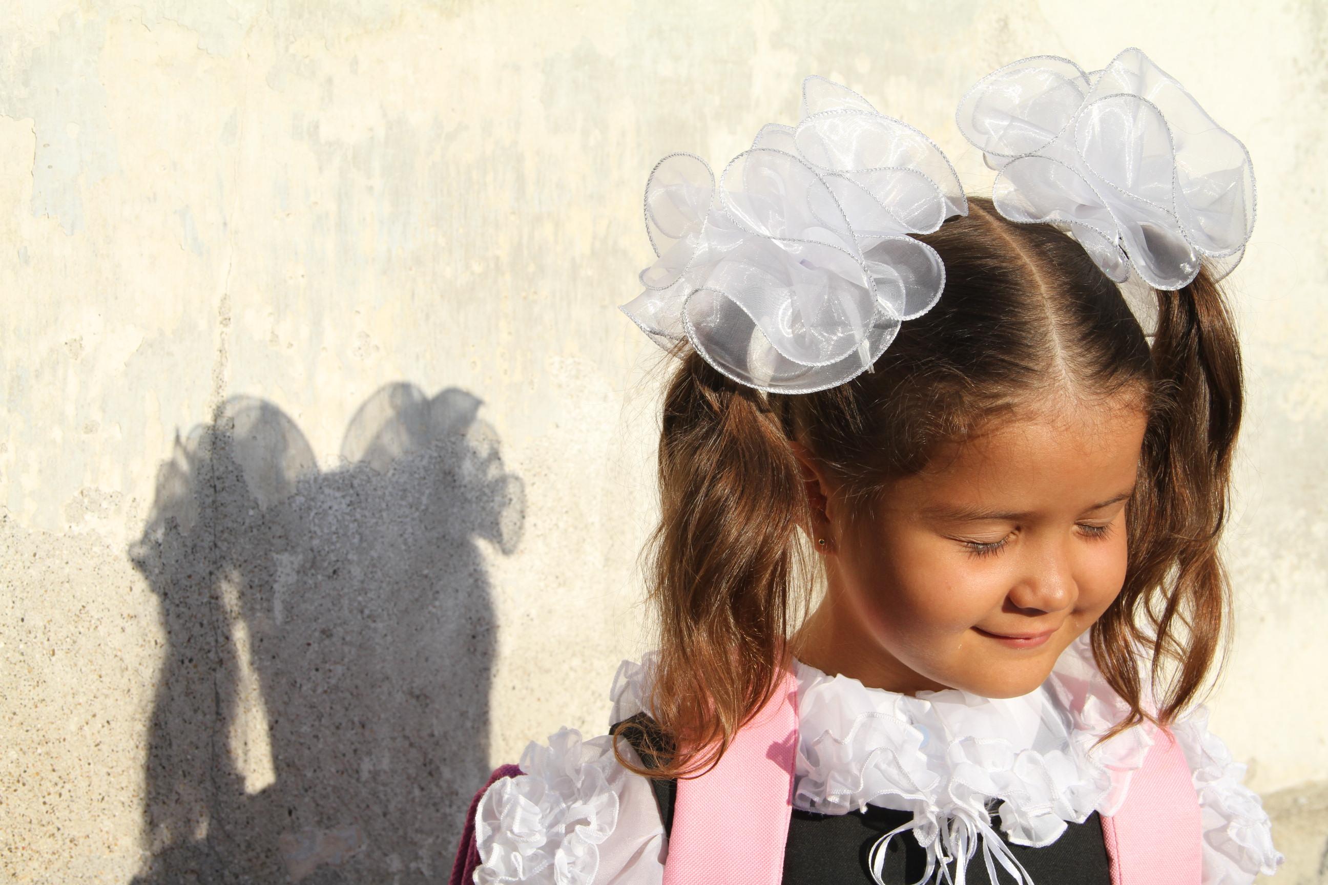 Картинки с девочками с бантиками