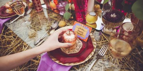 7 нестандартных идей для гостевых карточек