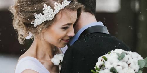 Тепло ли тебе девица: выбираем платье для зимней свадьбы