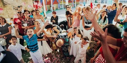 Нескучная свадьба:чем развлечь себя и гостей?