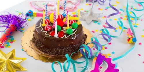 Поздравление с днем рождения в смс в стихах